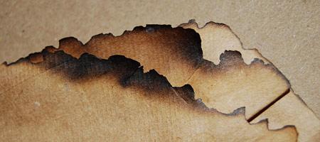 Скачать Текстуру обгоревшей бумаги 1