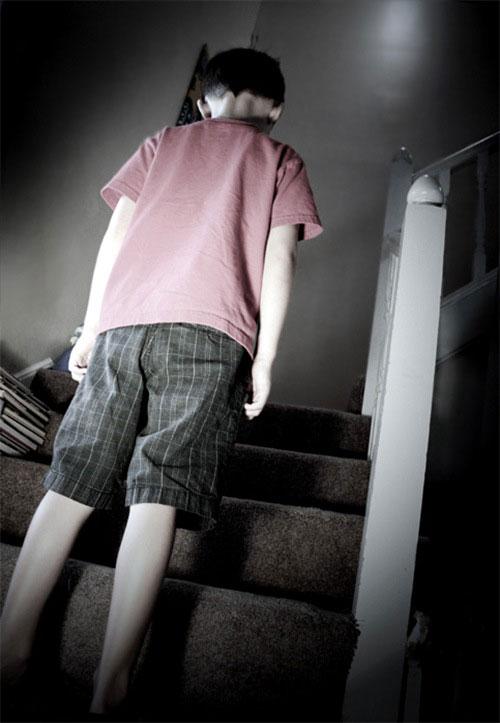 Перейти на Bathmophobia: Fear of Stairs