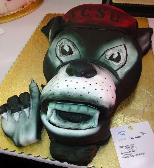 Перейти на mr. wuf cake by bunchofpants