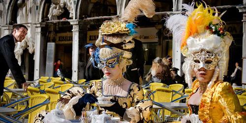 Перейти на Venice Carnival