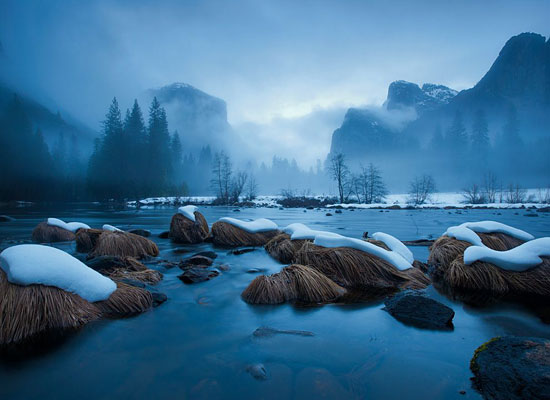 Перейти на Merced River, Yosemite National Park