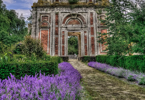 Перейти на Cambron Abbey