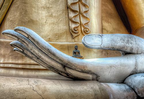 Перейти на Hand Of Buddha