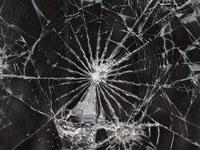 Скачать бесплатно текстуры разбитого стекла и осколков