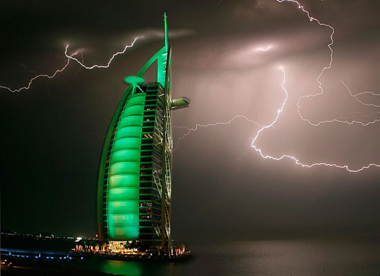 Lightning Green Hotel Dubai