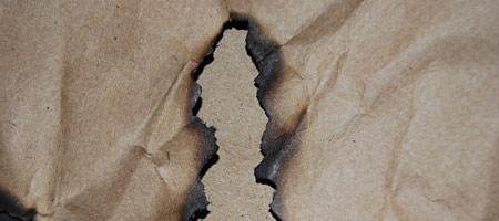 Скачать Текстуру обгоревшей бумаги 10
