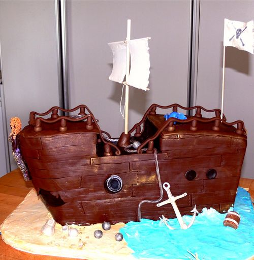 Перейти на large pirate ship by babushka bakery