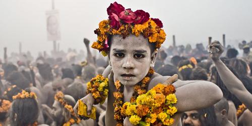 Перейти на Kumbh Mela in Allahabad, India