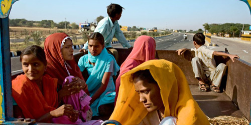 Перейти на Sawarda Village Workers, India