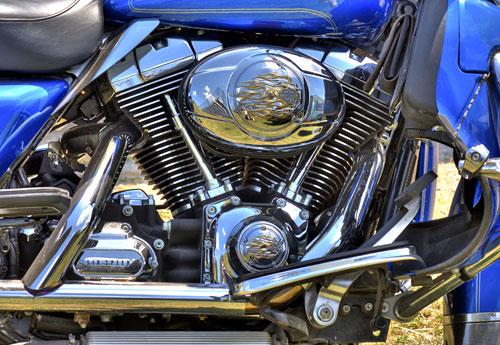 Перейти на Harley Engine Reflections Redone