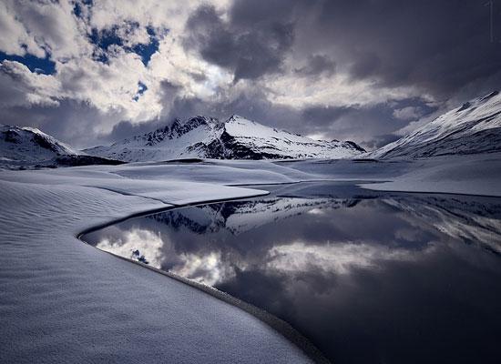 Перейти на Charm Of Winter